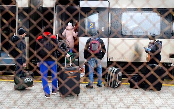 За украинцами в Польшу отправят еще один поезд